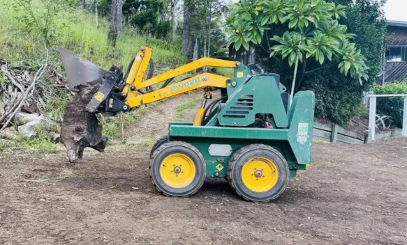 Kanga wet hire for all your landscaping needs with operator -Brookfield