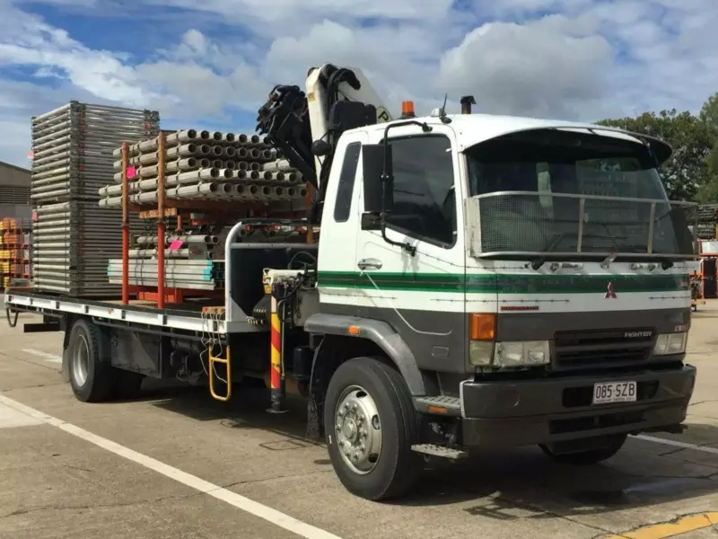 Crane Truck hire with operator