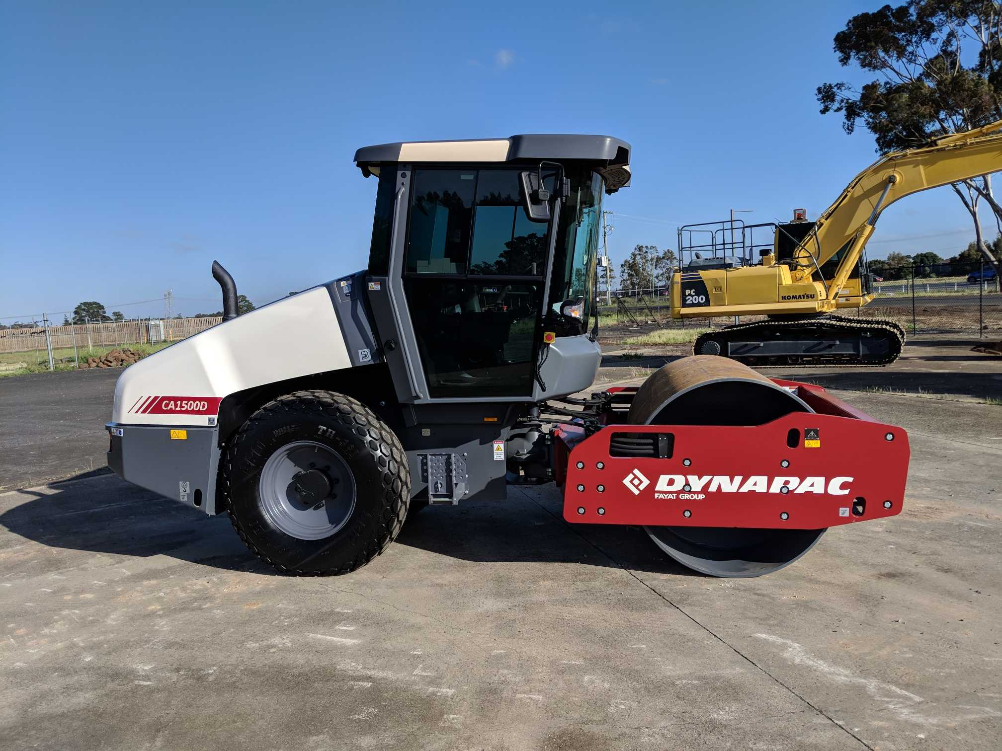 Hire 14 Ton Smooth Single Drum Roller - Enclosed Airconditioned Cabin