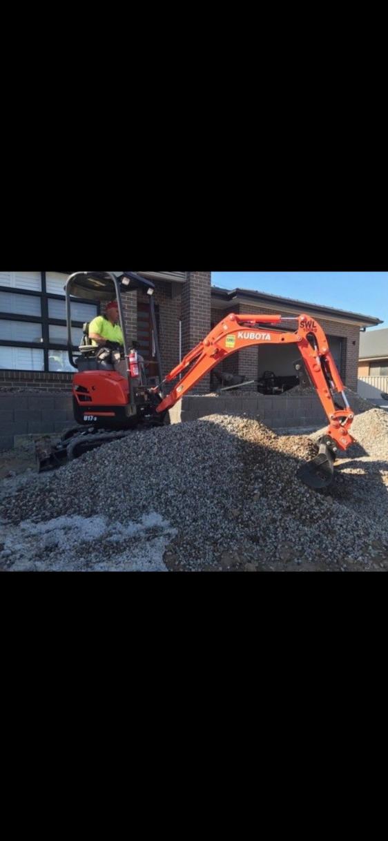 Hire Kubota 1.7T Excavator incl. 3 x buckets & trailer