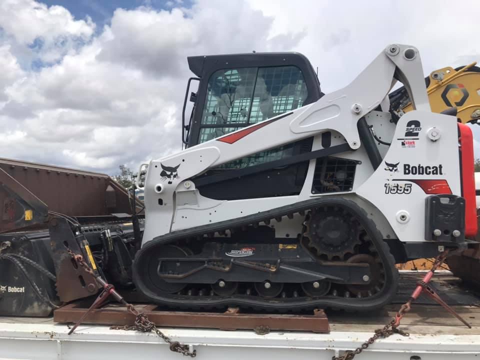Large Positrack loader for wet Hire near Mount Gravatt East QLD