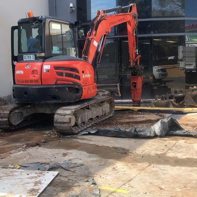 Hire 5.5t Excavator – Enclosed Cab