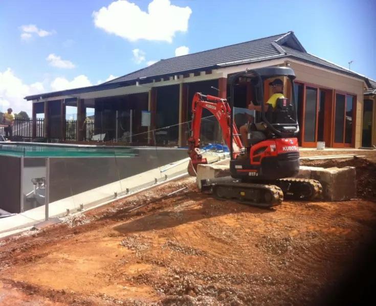 Hire 1.7T Mini Excavator & Skilled Operator No Travel Fee If Local – Bridgeman Downs, Aspley area