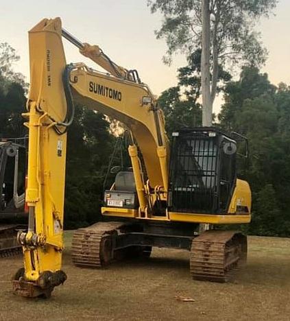Hire 14.5T Excavator near Burpengary
