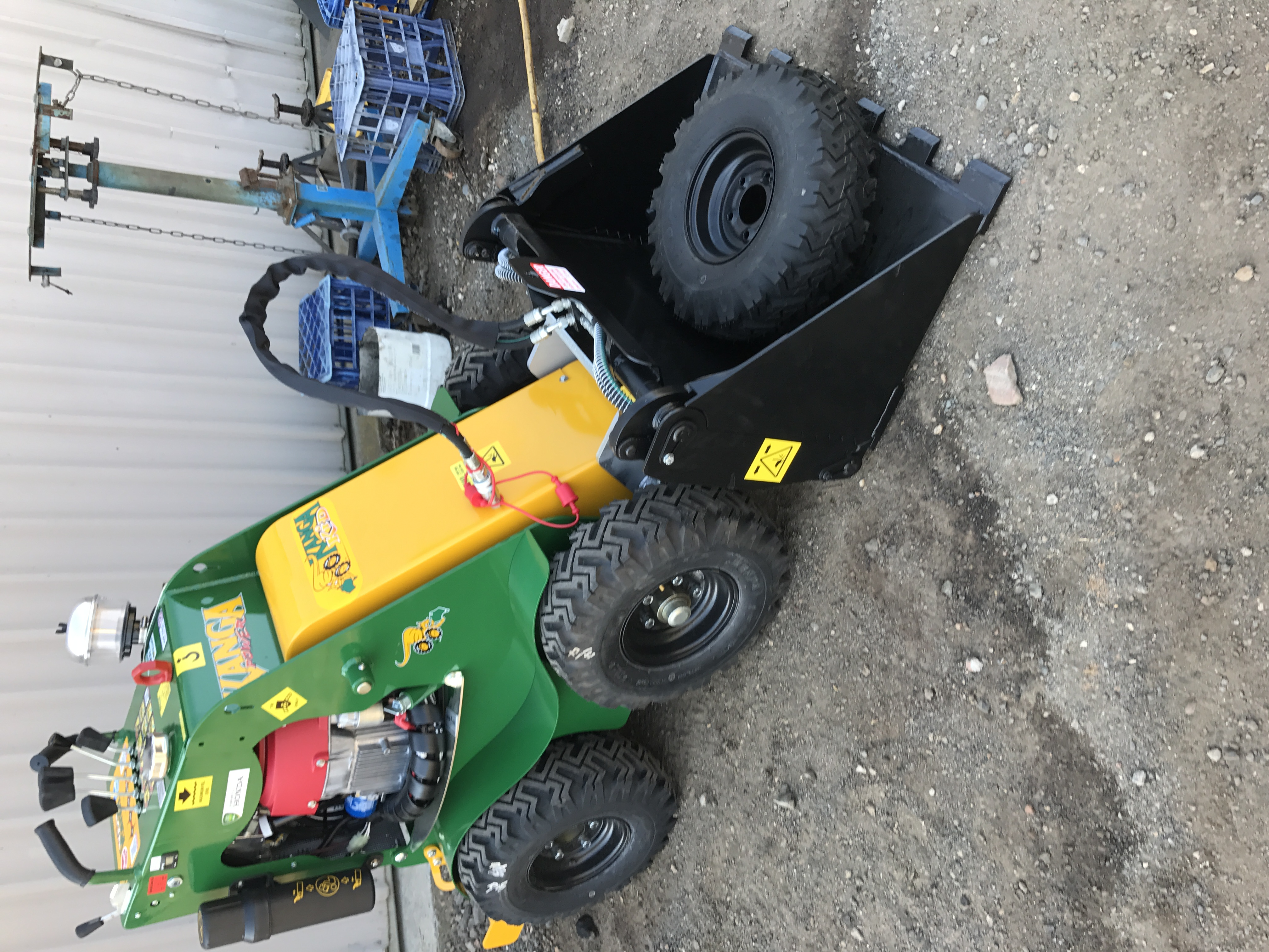 Hire  kid Kanga loader only 800mm wide with trailer