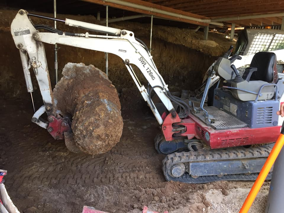 Takeuchi TB016 Mini excavator for wet hire (with Operator)-Gold Coast
