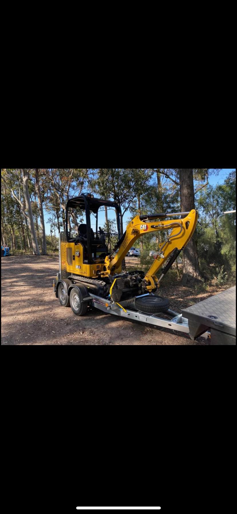 Hire 1.7T caterpillar excavator
