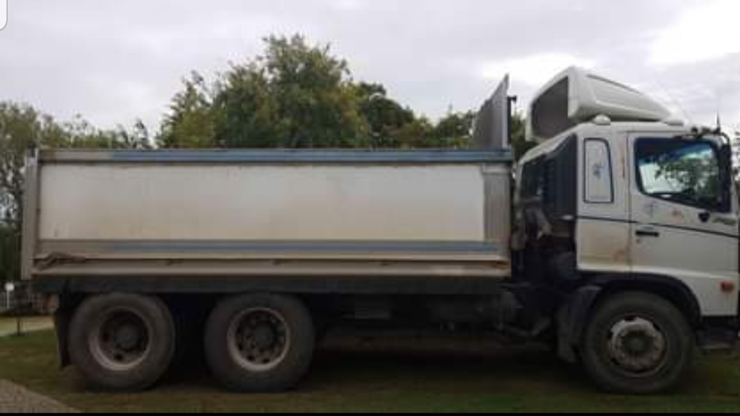 10m³ Tipper for hire