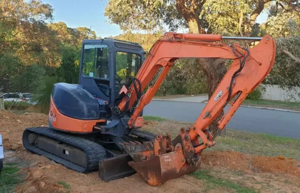 Hire Hitachi Zaxis 5T Excavator near Armadale, Southern River, Gosnells, Roleystone, Bedfordale