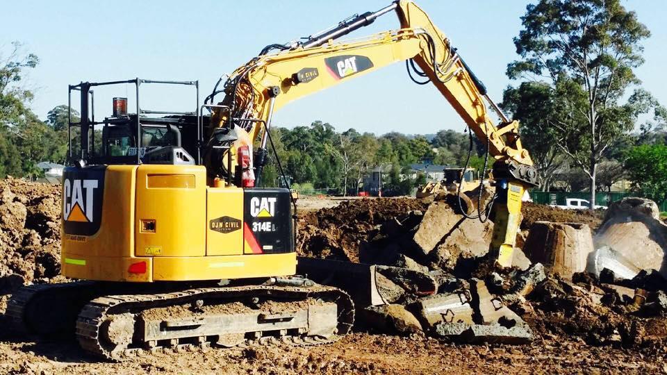 Hire 14 Tonne Excavator