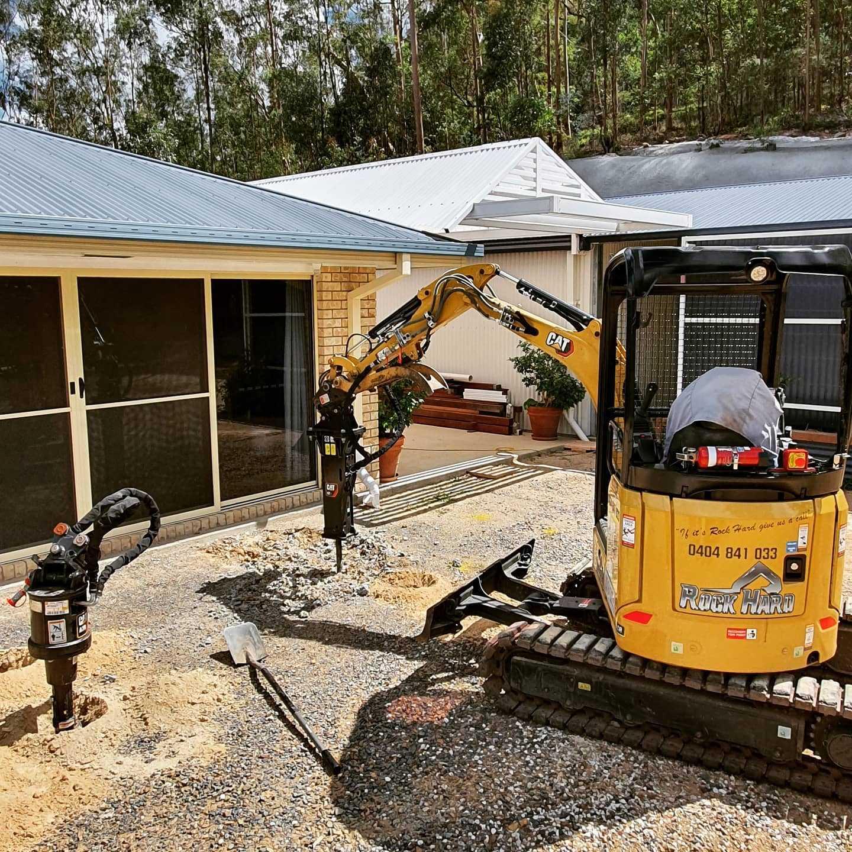 2 tonne excavator for wet hire