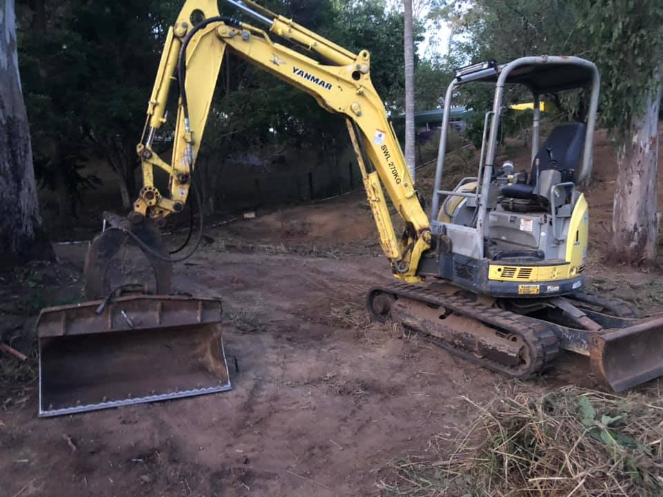3t excavator for wet hire near Ferny Hills