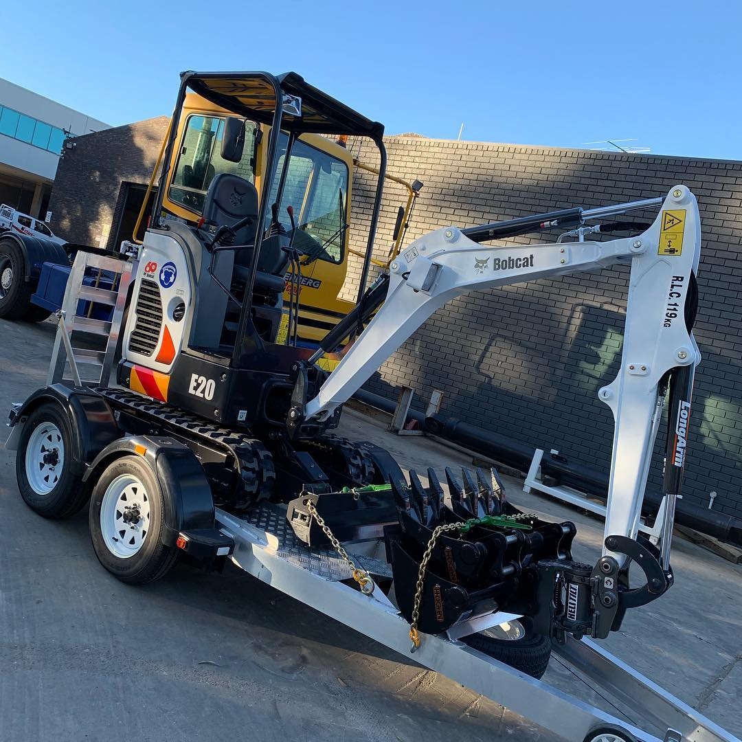 Hire DIY 2T Excavator - Auto Tilt Hitch