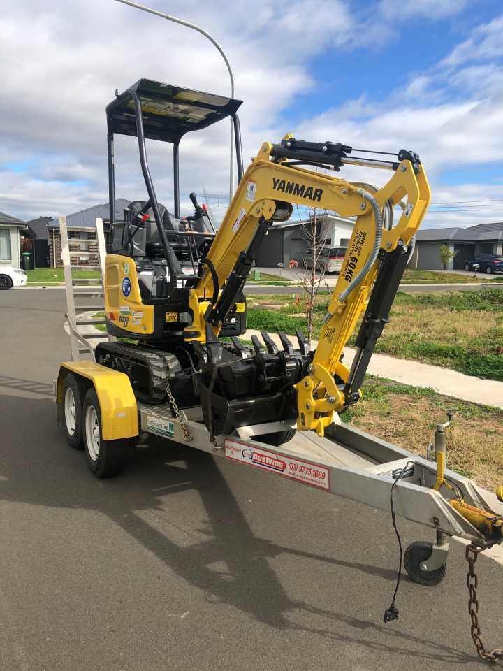 vio1.7 brand new excavator for dry hire with hydraulic quickhitch!!