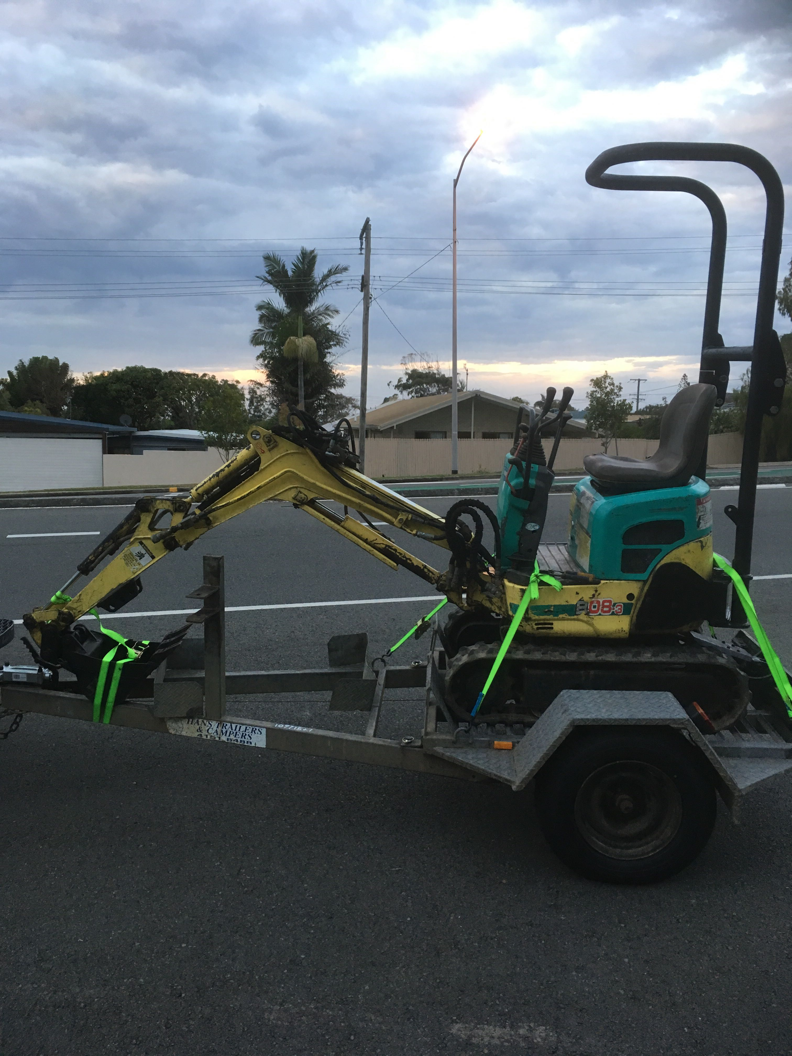 1 ton Yanmar excavator and tipper trailer for wet hire with operator - Battery Hill & Currimundi QLD