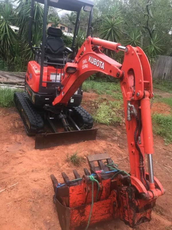 Mini excavator with Operator for (wet) hire - Blackstone, Silkstone, Bundamba, New Chum, Raceview, New Chum, Swanbank