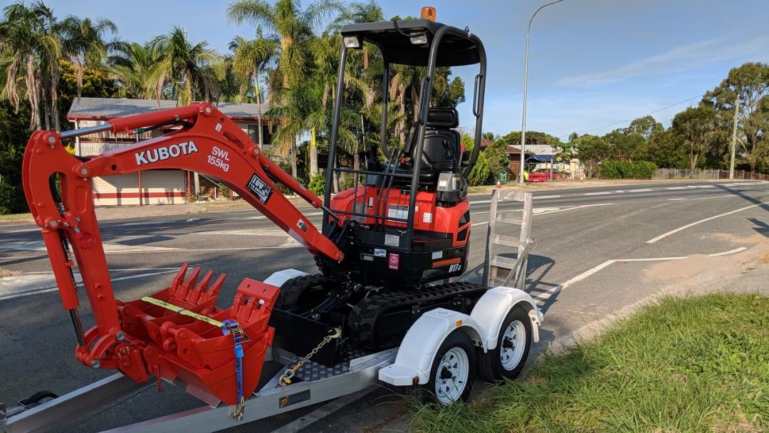 Hire 1.7T Kubota Mini Excavator U17-3