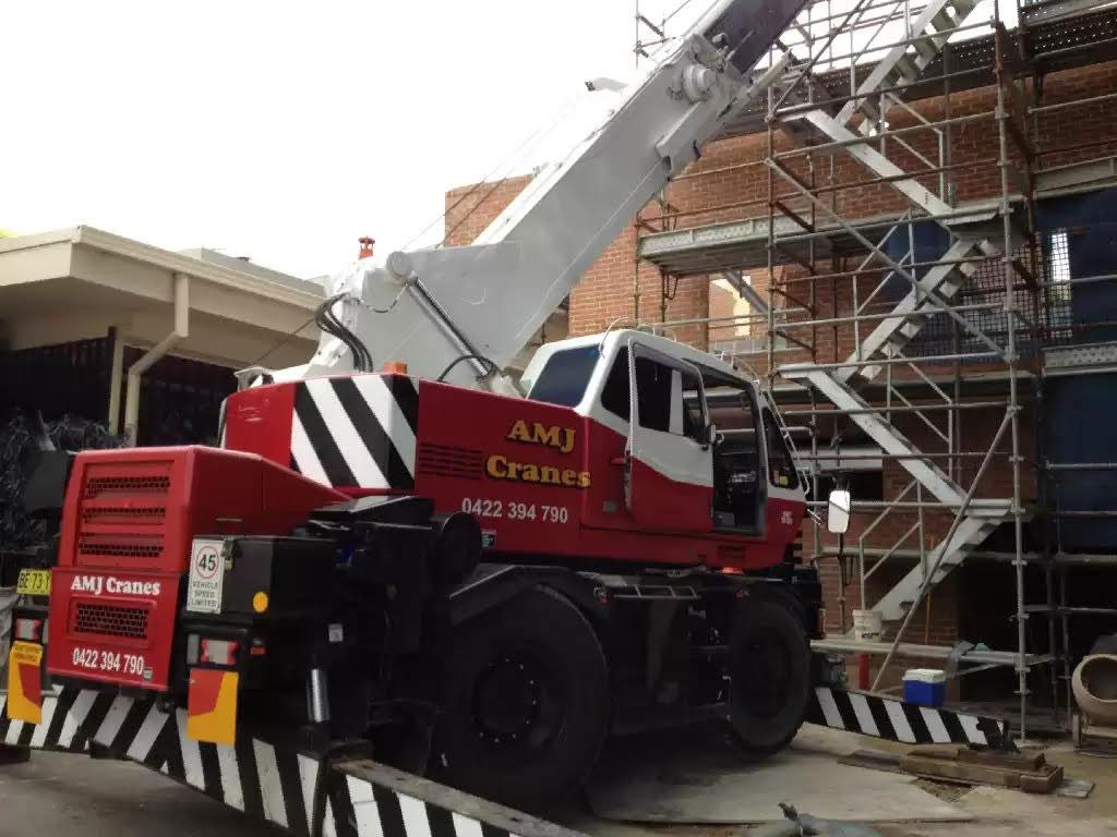 Hire 16 Tonne City Crane
