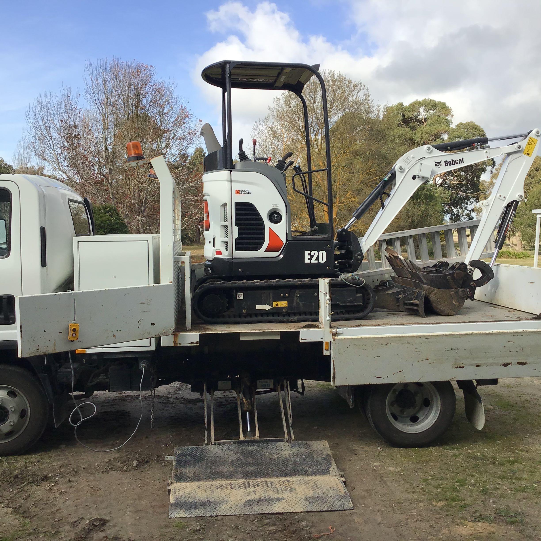 Hire Bobcat 2 tonne excavator