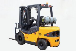 Hire LPG Pneumatic Tyre Forklift