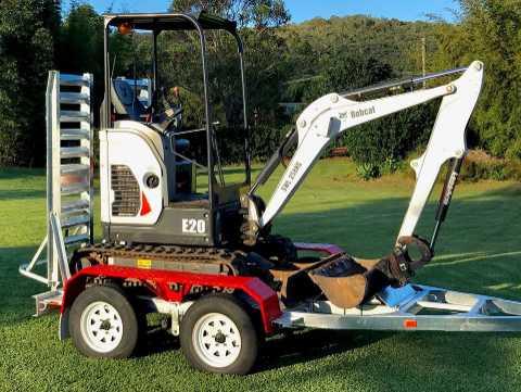 Hire Bobcat E20 2T excavator