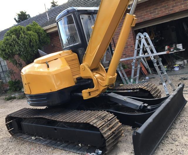 7 Tonne Excavator for wet hire
