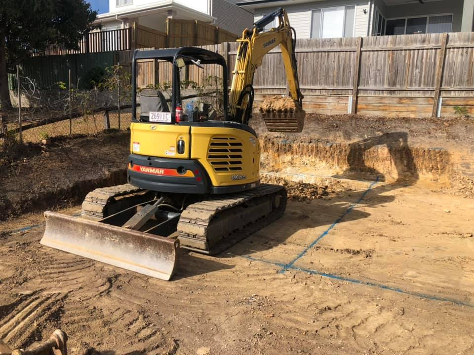 6t excavator for wet hire near Ferny Hills