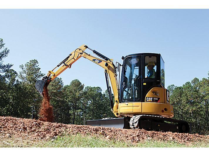 Hire 4 tonne zero swing excavator – three buckets