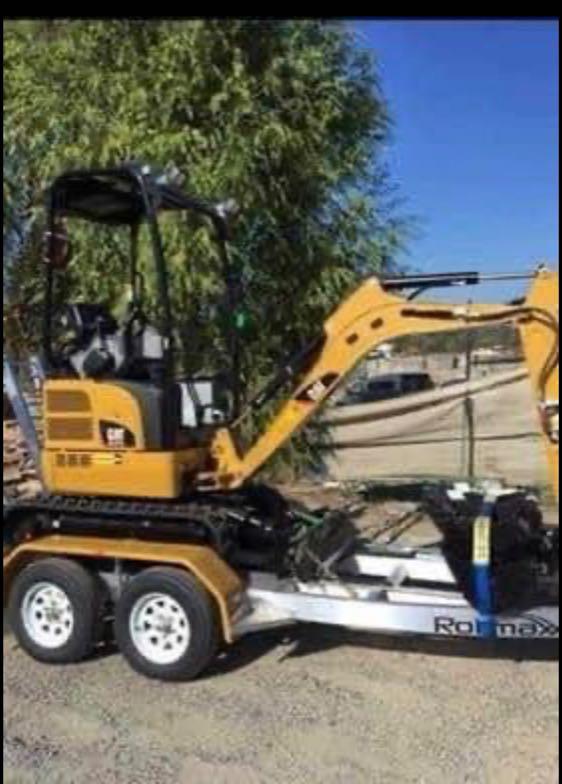 1.7T Cat excavators for dry hire