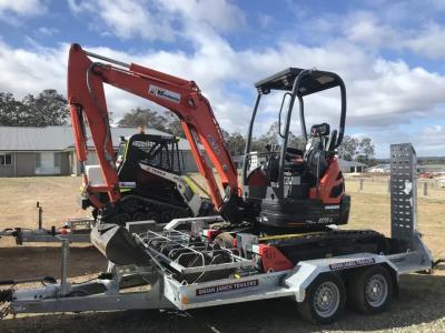 Hire 2.5 Tonne Mini Digger Excavator