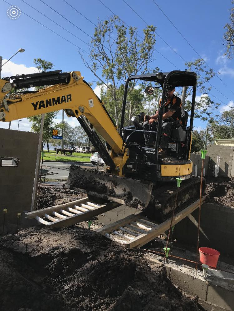 Hire 3.5 Tonne Excavator - Gympie, Noosa Hinterland, North Brisbane, South Brisbane, Toowoomba and all surrounding areas.