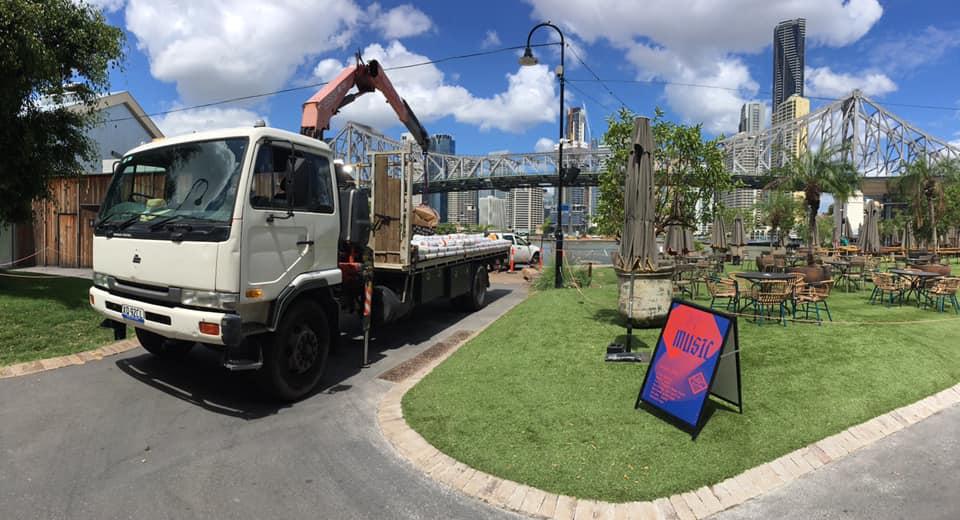 Crane truck for hire near Daisy Hill