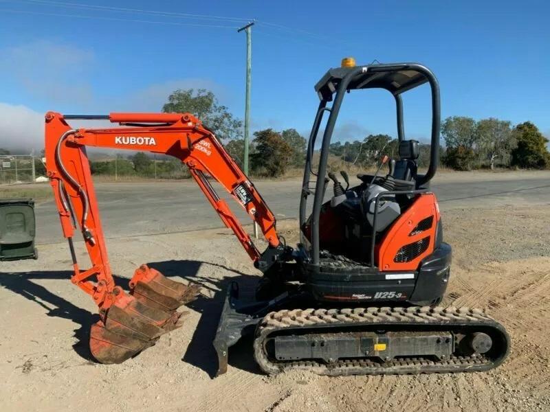 Hire 2.8 Ton Excavator - Gold Coast, Brisbane, Helensvale, Logan, Tweed Heads, Murwillumbah, Ballina and Byron Bay