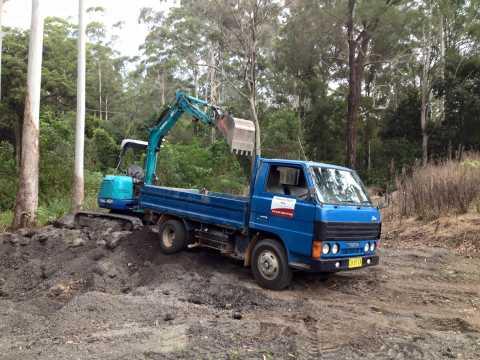 Hire 2T Tipper Truck