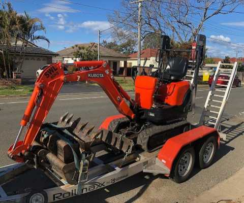 Hire 0.8 tonne excavator