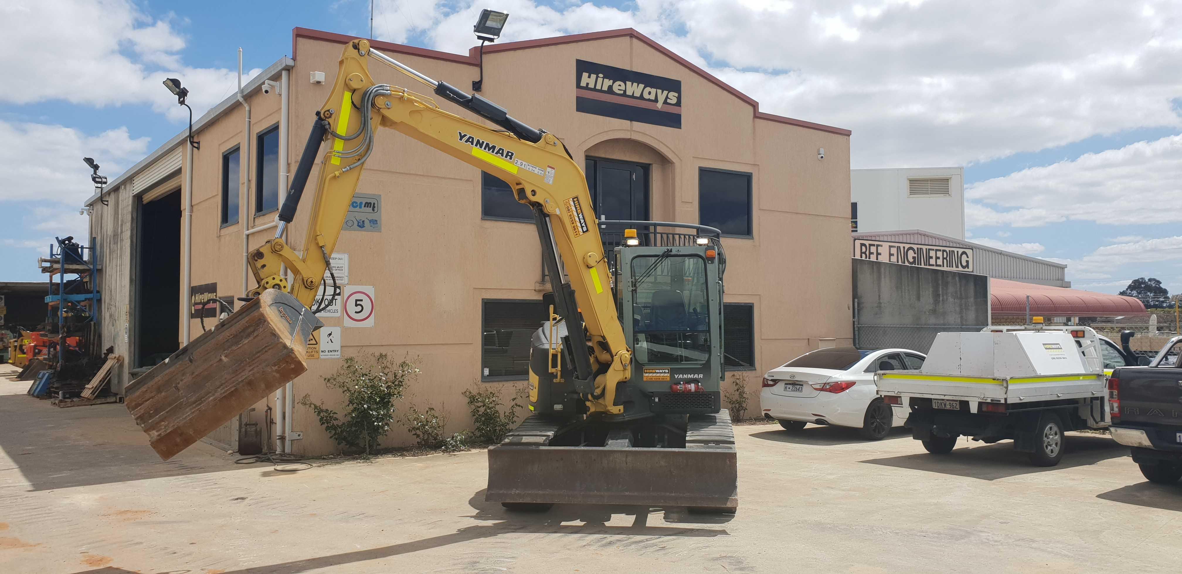 Hire 10 Ton Excavator.