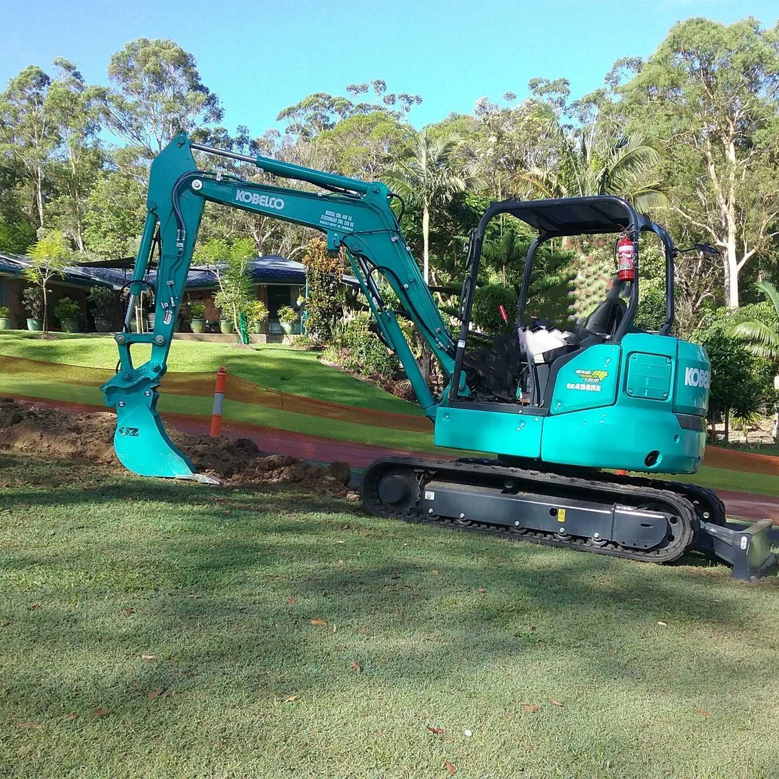 4.5t ton excavator for wet hire (with operator) -  Maudsland, Pacific Pines Gaven, Molendinar, Mount Nathan, Nerang, Ashmore Advancetown, Gilston, Highland Park, Carrara