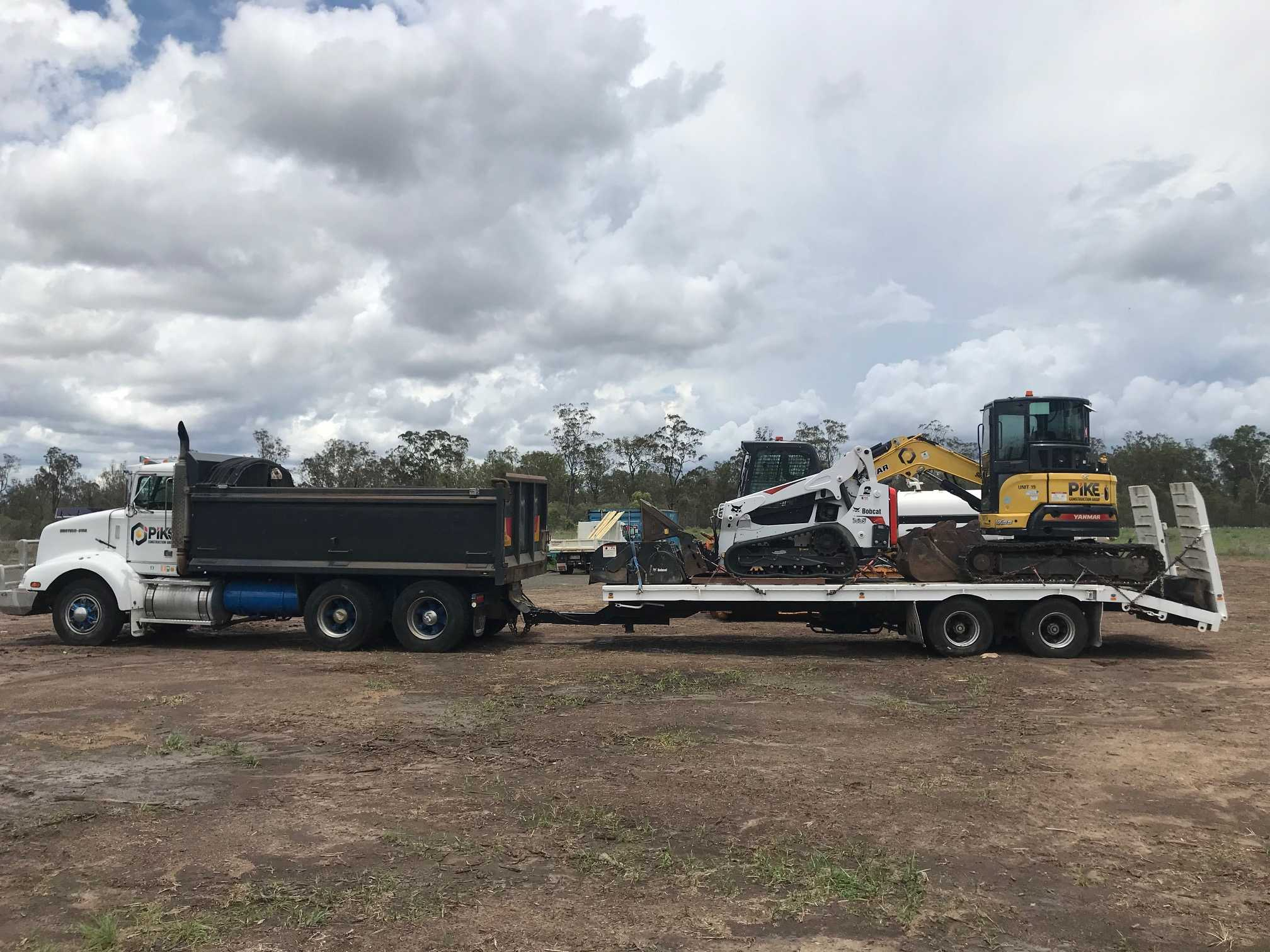 Hire 5.5ton Excavator,Positrak,Tipper Combo