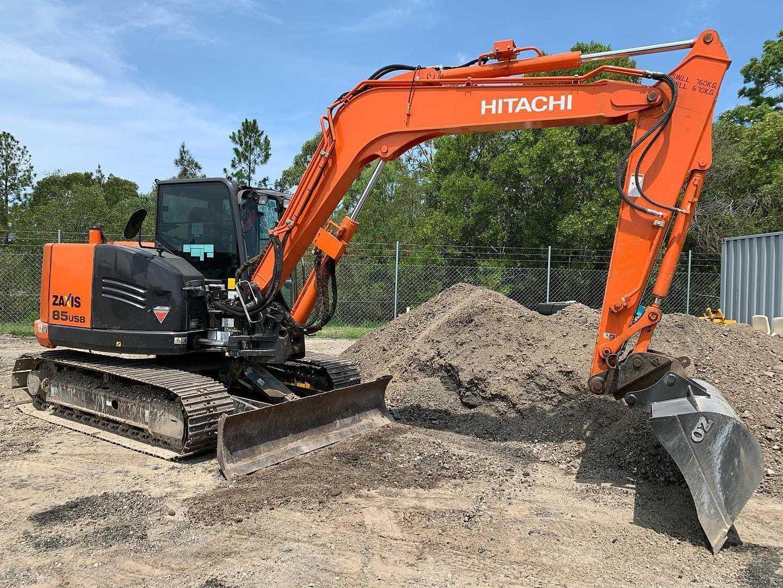 Hire 8.5 Ton Hitachi ZX85USB-5 Excavator - Gold Coast, Brisbane, Helensvale, Logan, Tweed Heads, Murwillumbah, Ballina and Byron Bay