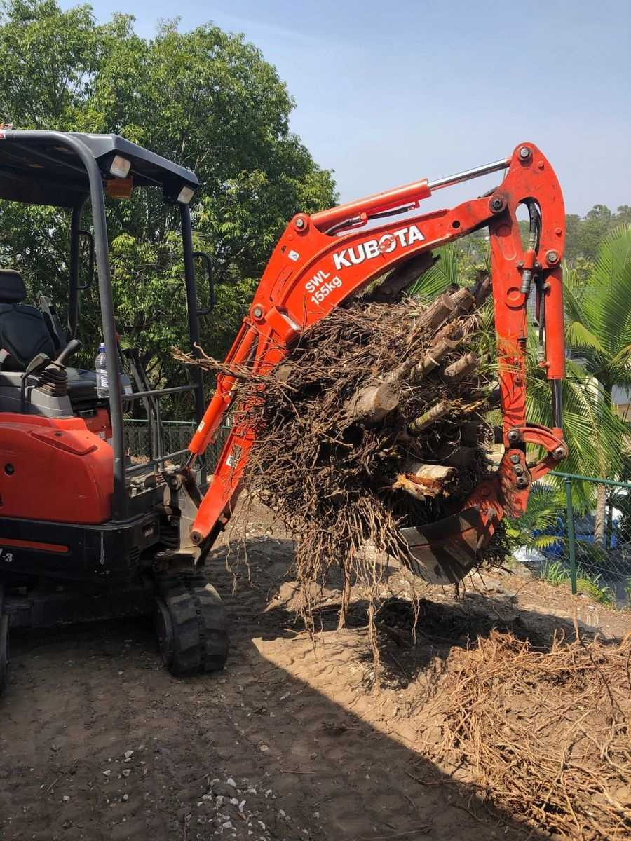 1.7T excavator for wet hire (with operator )- Upper Coomera, Hope Island, Paradise Point, Oxenford, Helensvale, Coombabah, Gaven, Arundel