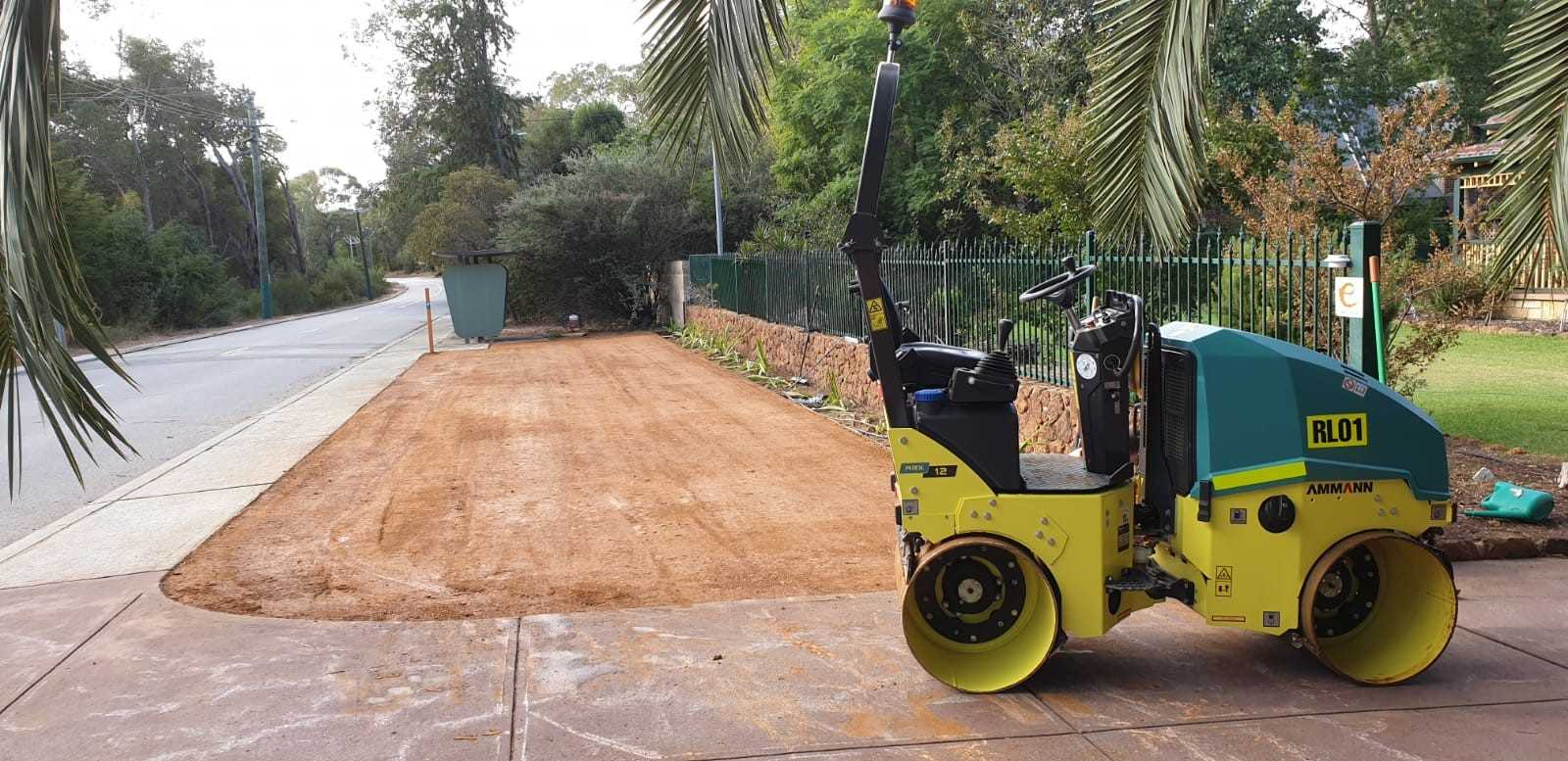 Hire 1.5 Ton Smooth drum roller