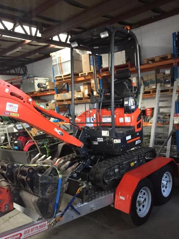 Hire Mini Excavator 1.7 Tonne