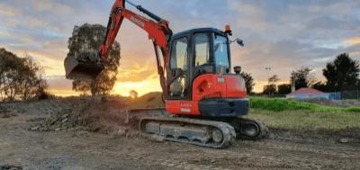 Hire 5.5/5 Ton Excavator