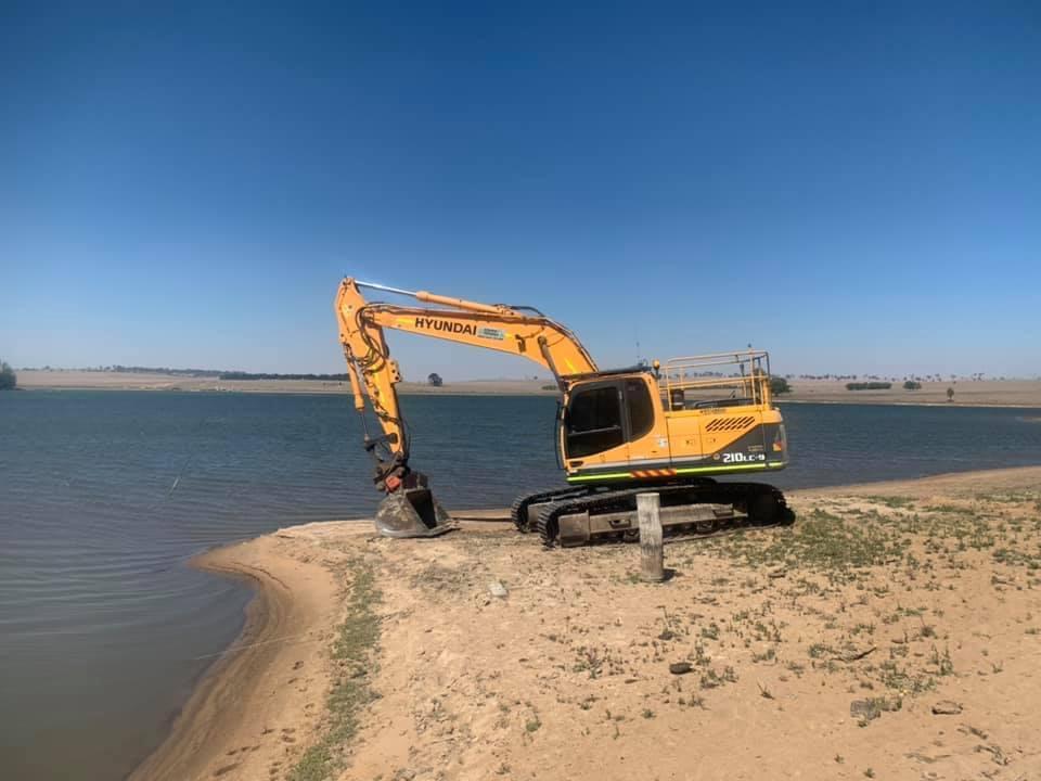 Hire 21 Tonne Excavator