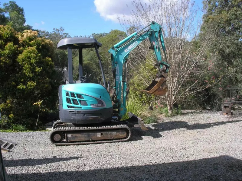 2T Excavator, posi track & Tipper Truck combo wet Hire with operator near Bellmere, Rocksberg, Upper Caboolture, Morayfield, Moorina QLD