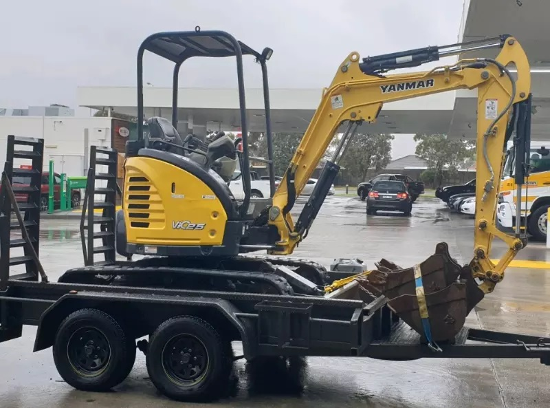 Hire Yanmar Excavator 2.5T