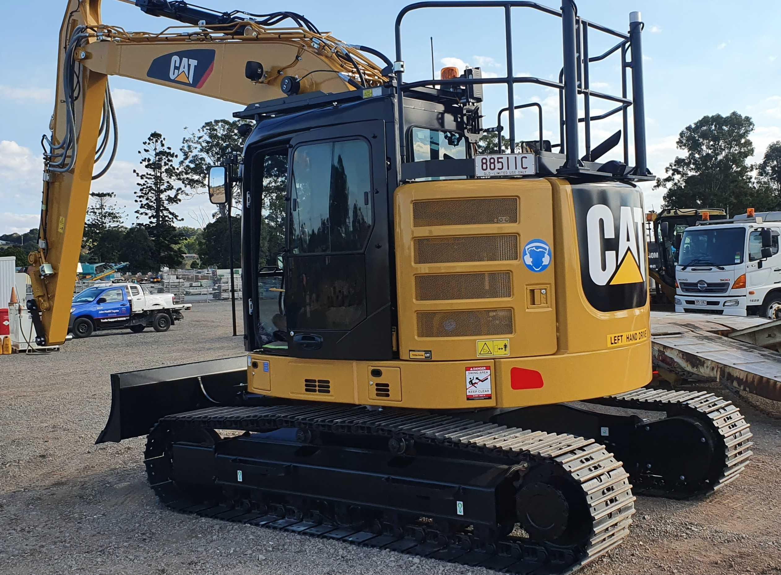 Hire 13-15 Tonne Tracked Excavators