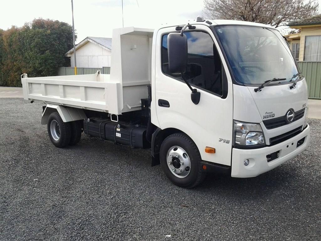Hire Hino 617 - 4.5 tonne gvm car license tipper truck