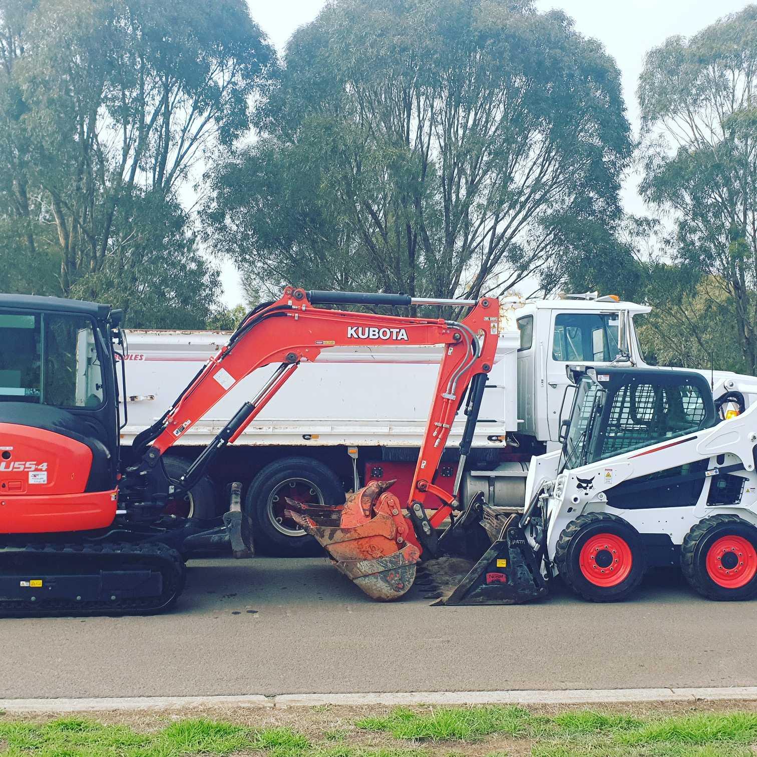 Hire 5.5 ton excavator