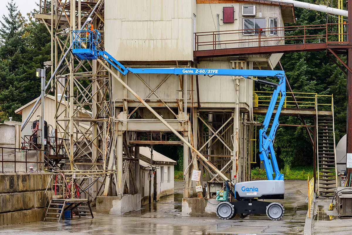 Hire 18m Articulated Boom Lift